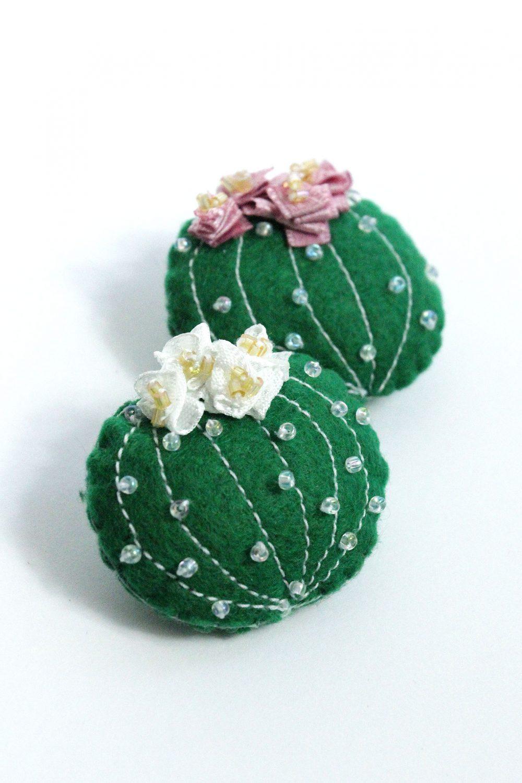 Lady-Biche-Broche-Cactus-Grusonii-Couleur