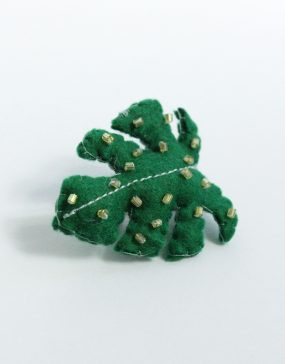 Lady-Biche-Broche-Cactus-Monstera-1-3