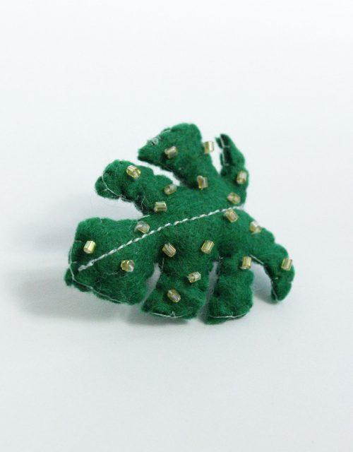 Lady-Biche-Broche-Cactus-Monstera-1-3