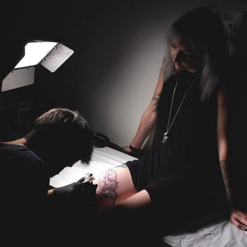 Lady-biche-tatoueur-no-name-7