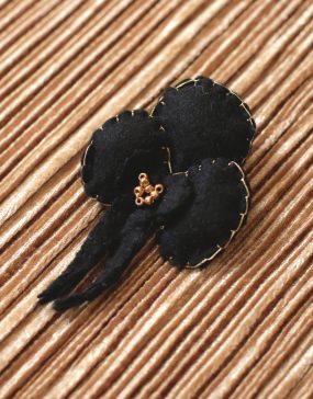 Lady-Biche-feutrine-Orchidee-noire-1